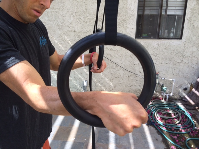 ce1d75c3681d HOW TO TRAIN WITH GYMNASTIC RINGS. BEGINNER AND INTERMEDIATE ...